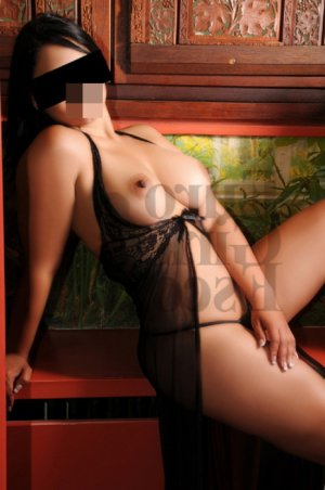 Felixa adult dating in Derby KS